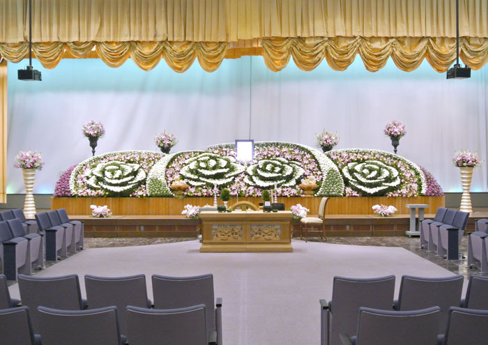社葬_生花祭壇|愛媛・高知の葬儀式場|株式会社ドリーマー