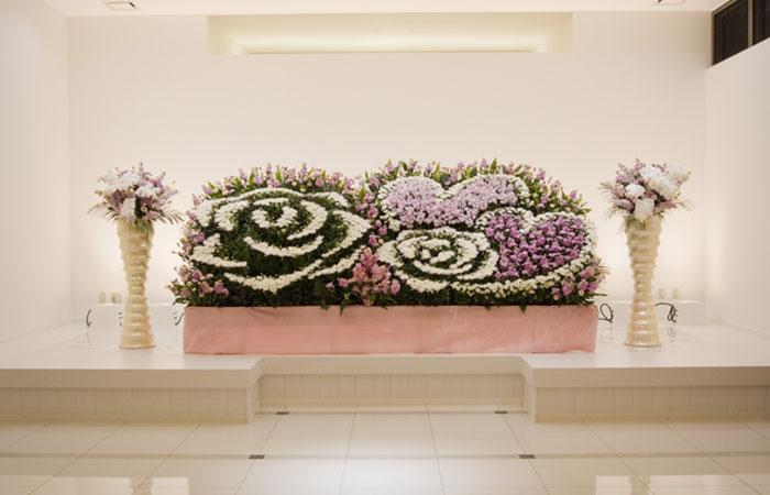 ドリーマー神田葬祭館生花祭壇|高知県高知市の葬儀式場