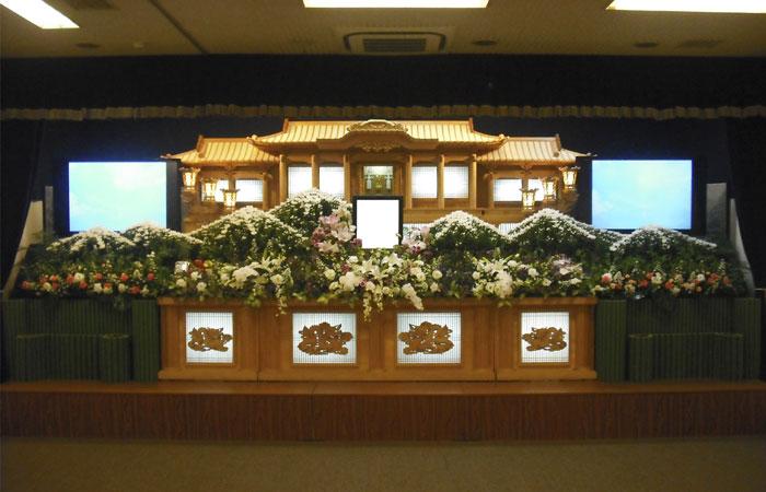 ドリーマー松山葬祭館白木祭壇5|愛媛県松山市の葬儀式場|株式会社ドリーマー