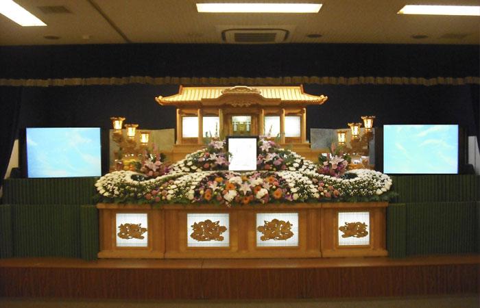 ドリーマー松山葬祭館白木祭壇2|愛媛県松山市の葬儀式場|株式会社ドリーマー