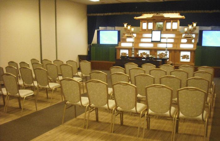 ドリーマー松山葬祭館白木祭壇1|愛媛県松山市の葬儀式場|株式会社ドリーマー