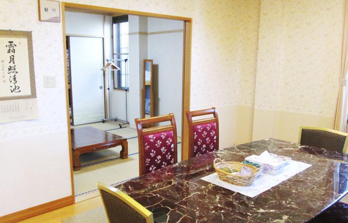 ドリーマー今治中寺葬祭館控室1|愛媛県今治市の葬儀式場|株式会社ドリーマー