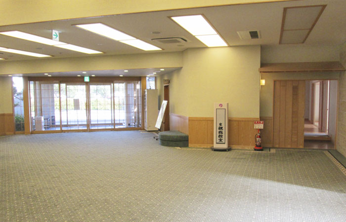 ドリーマー今治中寺葬祭館ロビー1|愛媛県今治市の葬儀式場|株式会社ドリーマー